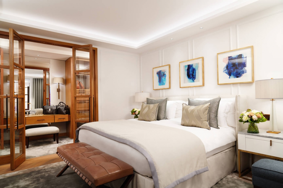 The London Suite bedroom. Image supplied by Corinthia Hotel London.